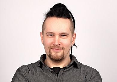 Kouluttaja Tuomas Välimaa