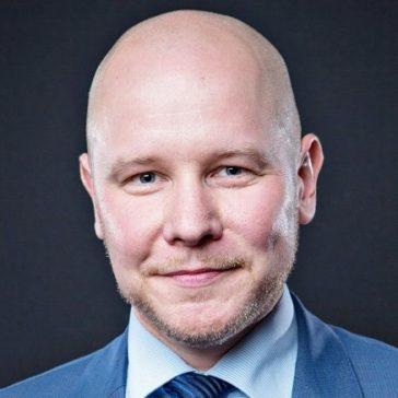 Kouluttaja Toni Sirviö